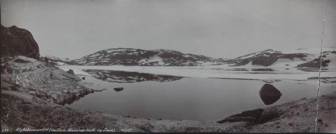 Løghellevandet mellom Hallingskeid og Finse
