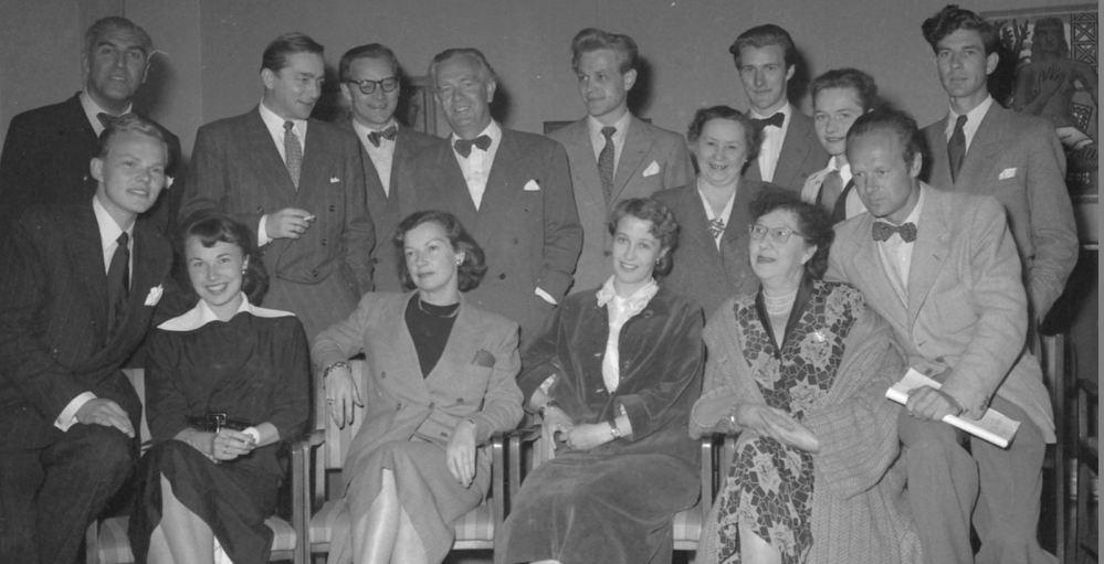 kuespillere ved Trøndelag teater høsten 1952 hefte nr 4 fv bak