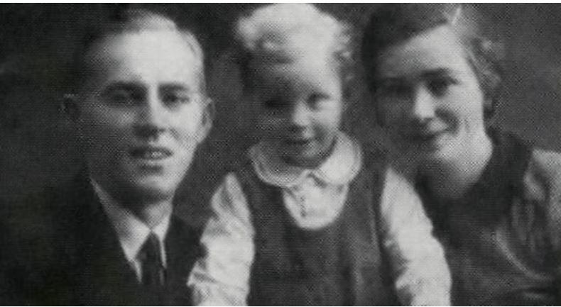 asbjørn sunde kona ragnhild og sønnen rolf