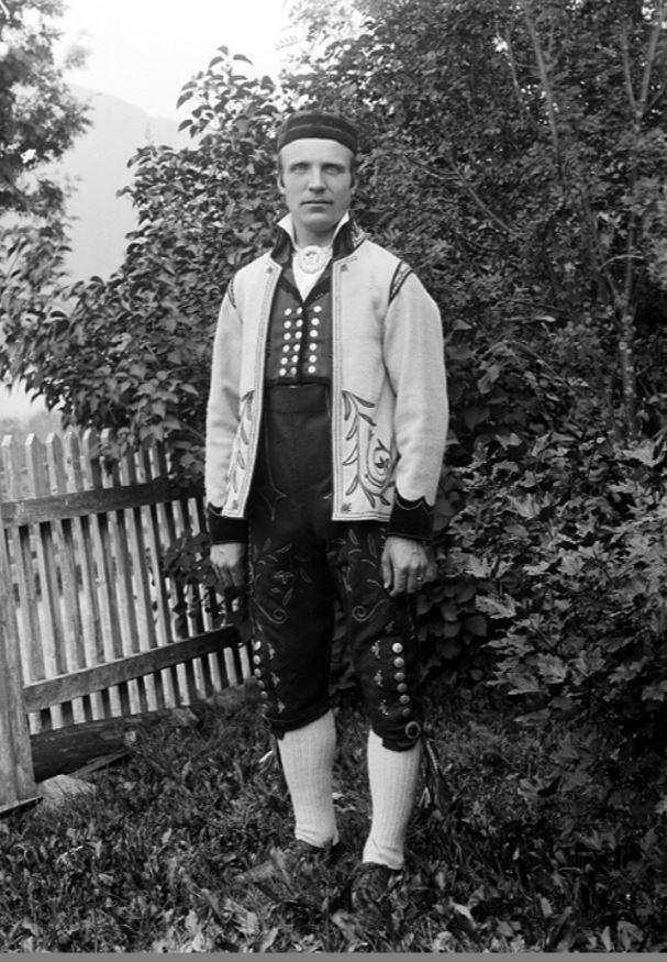 svein nestegard 1909 olav s reinton hol bygdearkiv